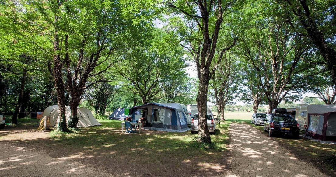 Camping Ardèche, emplacement tente ou caravane…